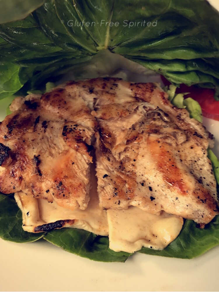 A picture of the grilled chicken sandwich undressed.